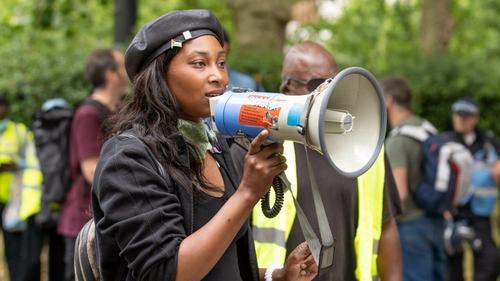 Black Lives Matter : la militante britannique Sasha Johnson victime...