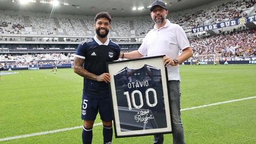 100 pour Otávio