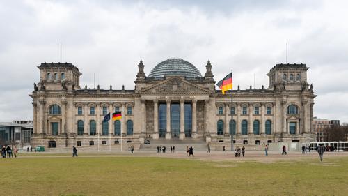 Allemagne : Les sociaux-démocrates arrivés en tête des...
