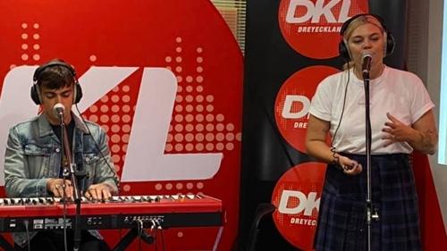 Louane sur DKL : réécouter son interview et ses deux titres...