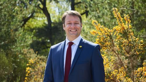 Elections régionales: Loïg Chesnais-Girard candidat à sa succession.