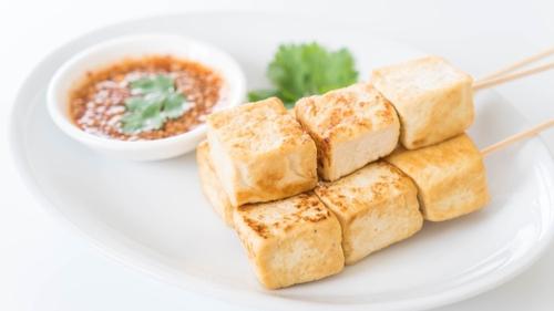 Bouchées de tofu au sésame