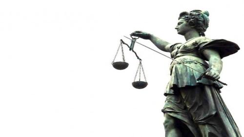 Le maire de La Riche Wilfried Schwartz devant la justice le 25...