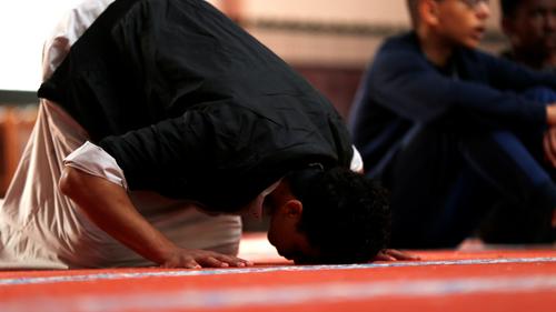 Fermeture d'une mosquée dans la Sarthe : les gérants dénoncent « de...