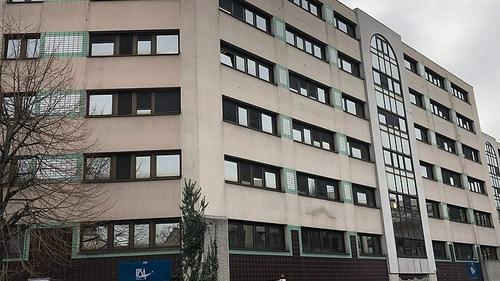 Ivry : un étudiant poignardé devant son école