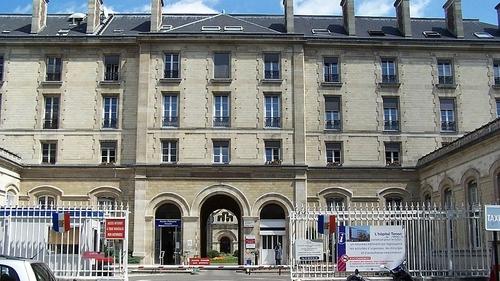 Gynécologue accusé de violences à Paris : un collectif à la...