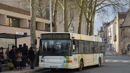 Poitiers : un conducteur de bus agressé, perturbations sur le...