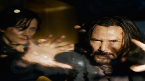 Matrix 4 : une première bande-annonce complètement folle avec Keanu...