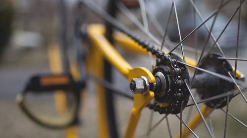 Loiret : un groupe de cyclistes amateurs fauché par une voiture