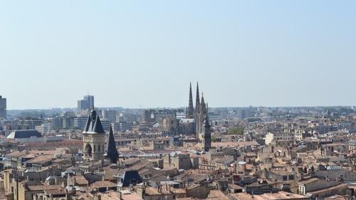 Bordeaux reste la première ville où « les Français aimeraient le...