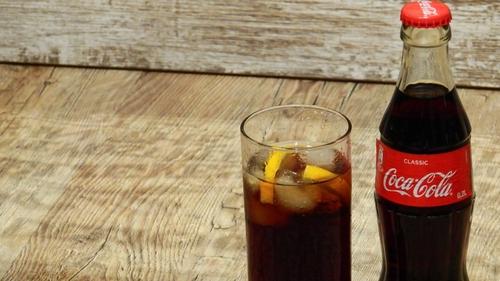 Un homme meurt d'une overdose de… soda !