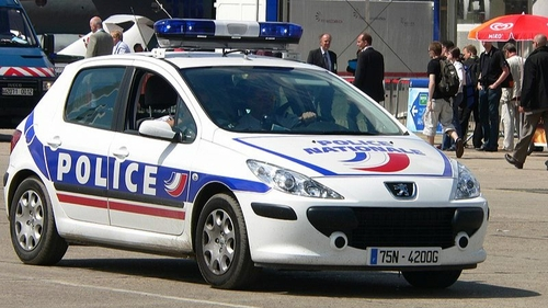 Val-de-Marne : un homme se rend à la police après avoir tué sa femme