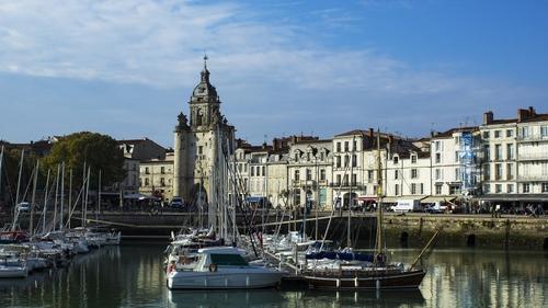 Charente-Maritime : l'obligation du port du masque en extérieur...