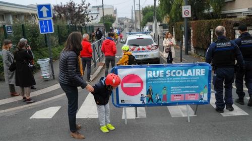 Orléans : la mairie expérimente une rue scolaire dans le quartier...