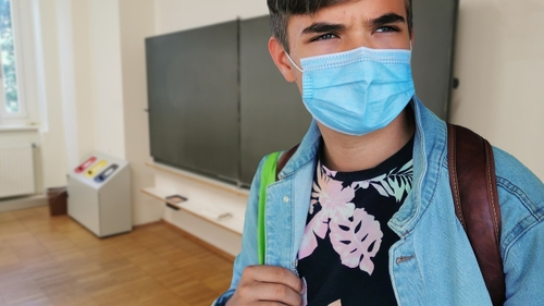 Covid-19 : le virus continue de reculer dans les écoles
