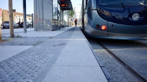 Bordeaux : la circulation des trams sur le pont de pierre rétablie