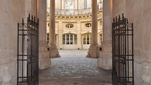 Paris 2024 : la justice suspend la construction d'une piscine...