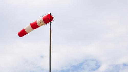 Attention aux rafales de vents ce soir : Jusqu'à 100 km/h localement.