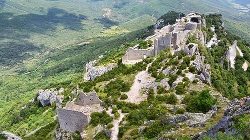 Le château de Peyrepertuse, au cœur du nouveau parc naturel...