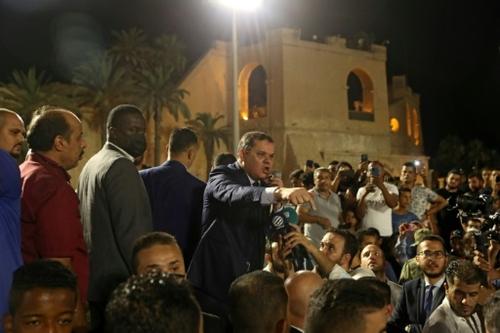 Libye: le Parlement censure le gouvernement, nouvel accroc avant...