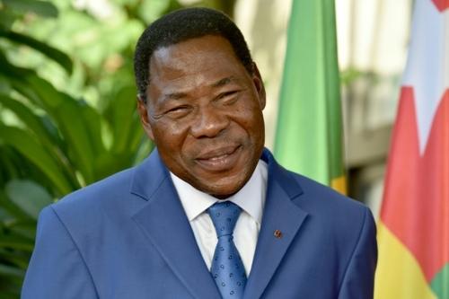 Au Bénin, première rencontre du président Talon avec son...