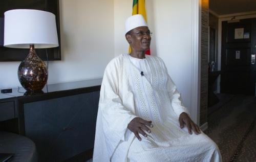 """Le gouvernement malien persiste à dénoncer un """"abandon en plein..."""