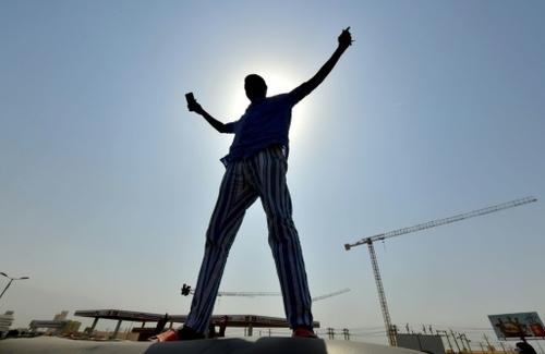 Putsch au Soudan: le Premier ministre ramené chez lui, lacrymogènes...