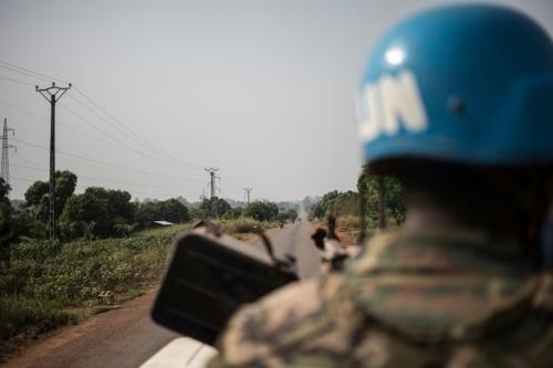 Centrafrique: l'ONU retire les Casques bleus gabonais après des...