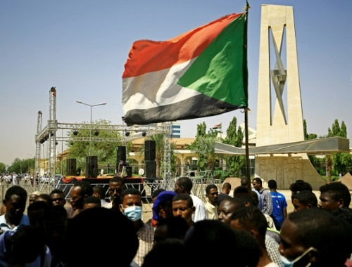 Au Soudan, le gouvernement met en garde pro et anti-armée contre...
