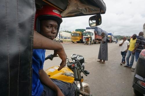 """A la frontière Côte d'Ivoire/Ghana, Noé """"ville morte"""" depuis la..."""