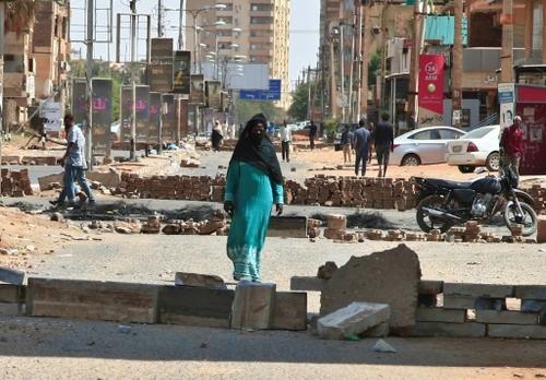 Soudan: arrestation d'opposants au putsch, fortes pressions à...
