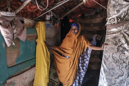 """""""Il fallait fuir"""": les Somaliens face à l'avancée du désert"""