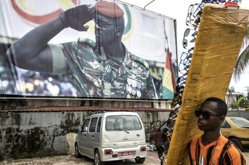 Guinée: la Cédéao sanctionne les auteurs du putsch et réclame des...