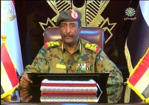 Abdel Fattah al-Burhane, le général désormais seul aux manettes du...