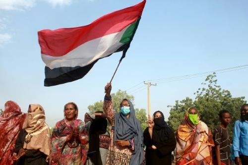 Soudan: la rue vent debout contre un coup d'Etat qui inquiète à...