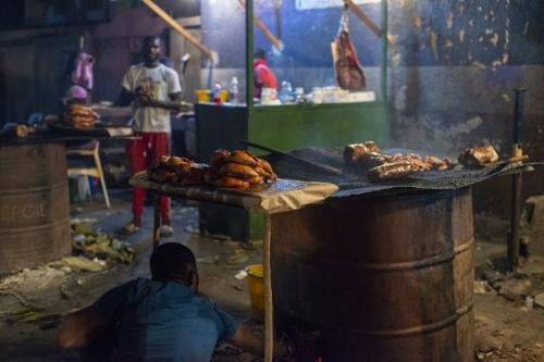 La guerre du poulet surgelé fait rage à Kinshasa
