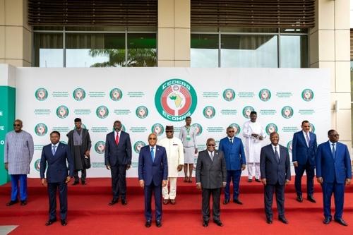 Putsch en Guinée: la Cédéao discute de la future transition