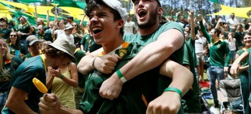 """En Afrique du Sud, la victoire des Springboks """"ravive la magie"""" de..."""