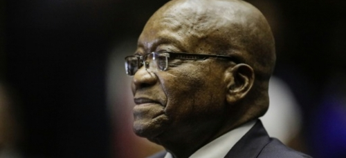Sous le coup d'un mandat d'arrêt, l'ex-président sud-africain Zuma...