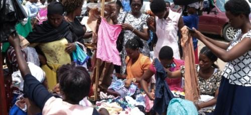 """Au Burundi, préservé du Covid-19 par """"la grâce divine"""", la vie suit..."""