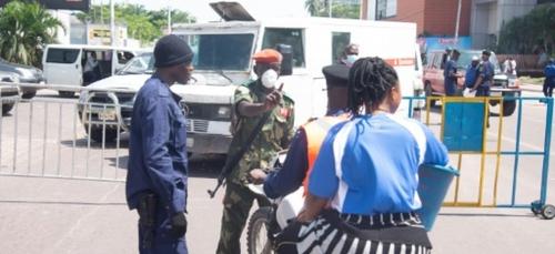 Virus en RDC: à Kinshasa, la Gombe isoléee, les vendeurs de rue...