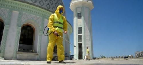Algérie/virus: port du masque obligatoire, mosquées désinfectées