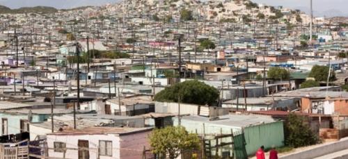 Afrique du Sud: sur le front du coronavirus, souvenirs de la guerre...