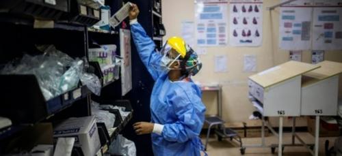En Afrique, des médecins sous pression face au virus