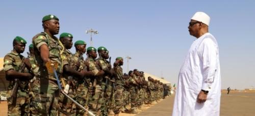 Mali: le président Keïta, de la poigne de fer à la main tendue
