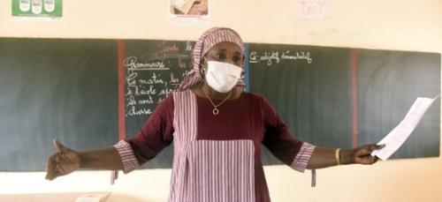 Coronavirus: un demi-million d'élèves sénégalais retrouvent le...