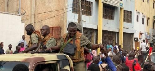 Mali: le président Keïta arrêté par des soldats en révolte
