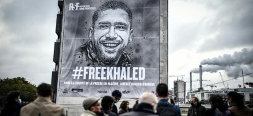 #FreeKhaled: RSF dévoile une bâche géante à Paris en soutien au...