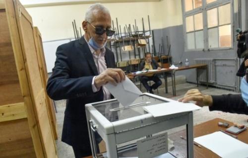 Référendum en Algérie: une nouvelle Constitution pour enterrer le...