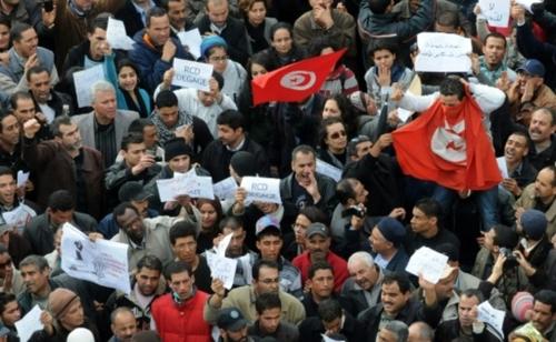 """Dix ans après l'euphorie, que reste-t-il du """"Printemps arabe""""?"""